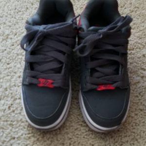 Kids Heelys roller sneakers/shoes in size 1